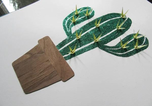 Cactus à paillettes avec des épines en papier