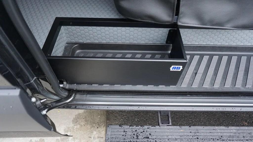 07 Sprinter Van Sliding Door Step Retainer Box For