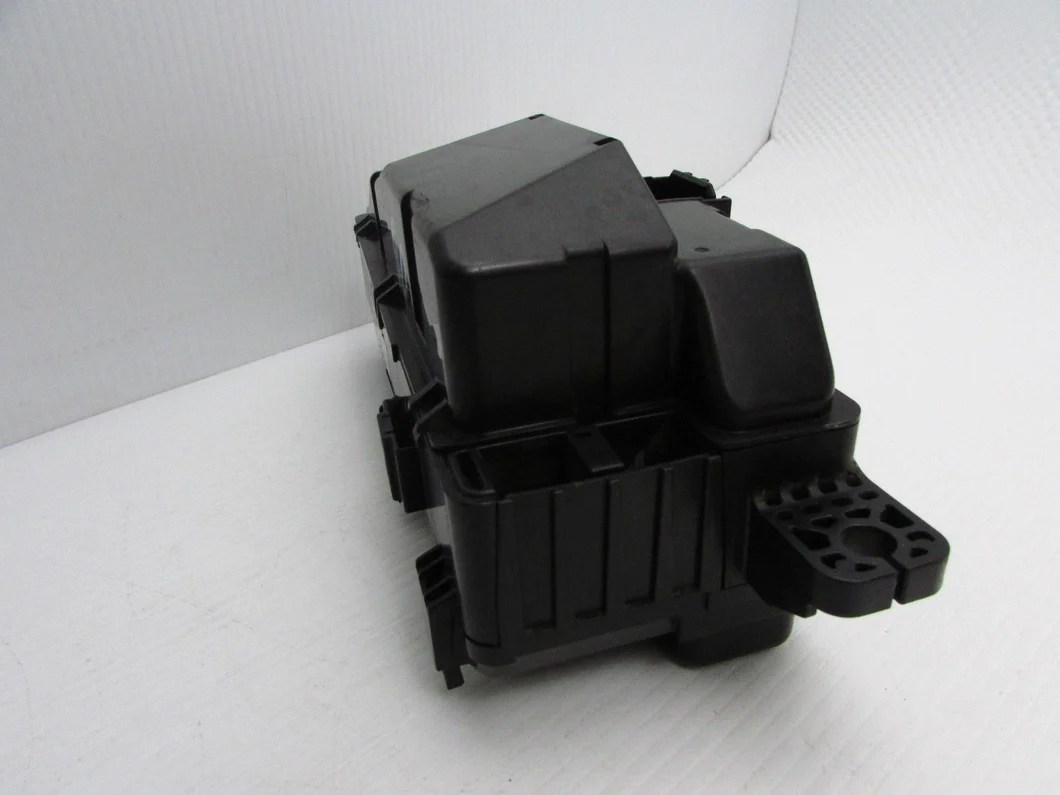small resolution of  07 08 acura tl fuse box engine relay compartment fusebox under hood oem