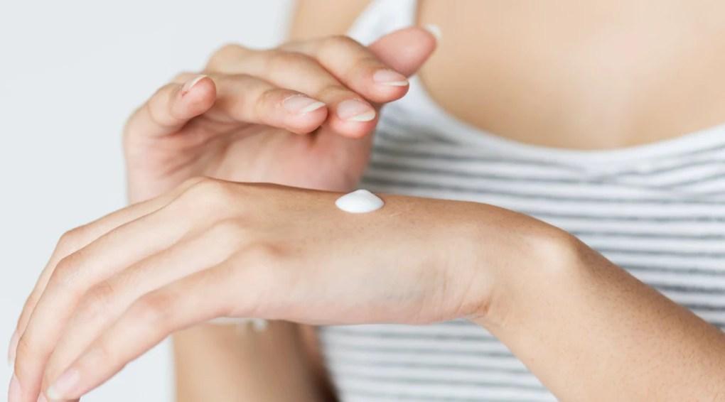 moisturise skin in winter skincare routine