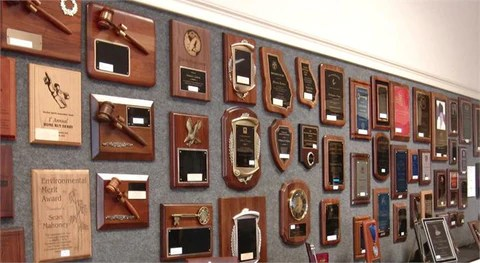 Suburban's Many Plaque Offerings