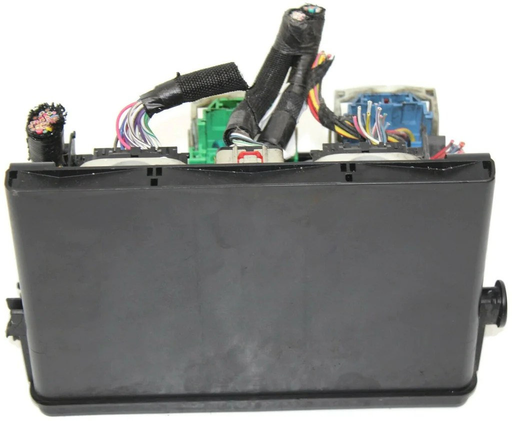 small resolution of 2010 dodge ram 1500 power distribution fuse box module 04692194ag