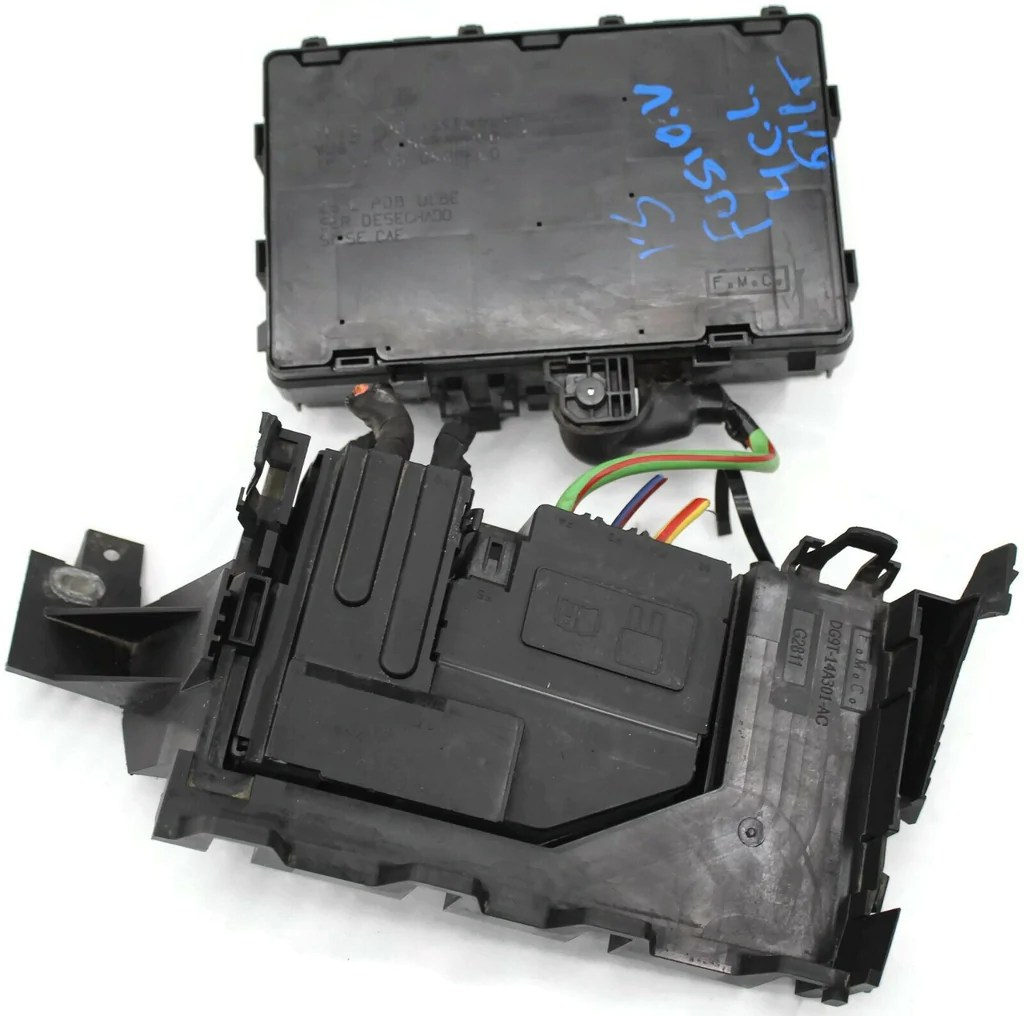 small resolution of 2013 2014 ford fusion engine fuse box relay junction block dg9t 14a067af