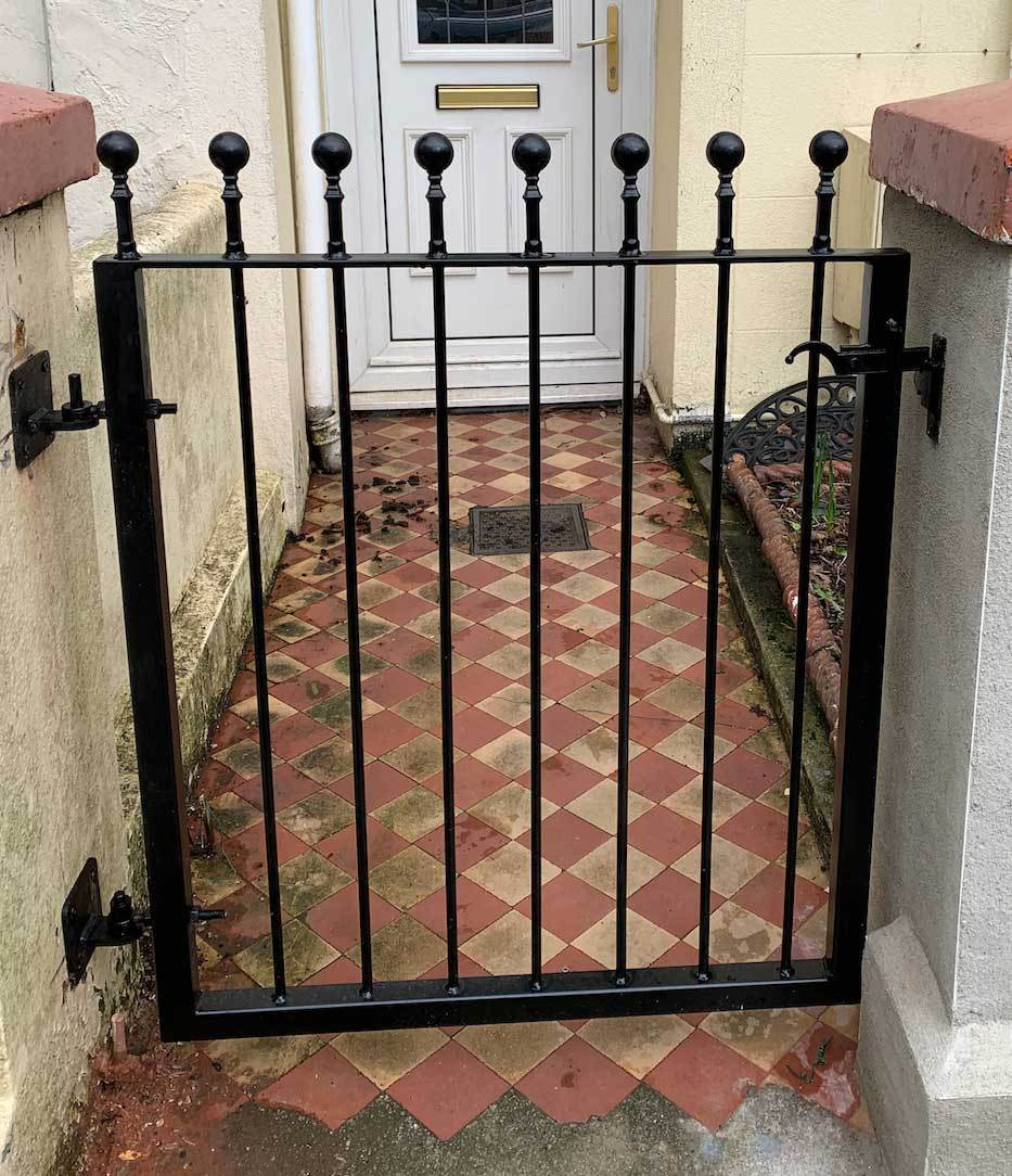 Iron Garden Side Gate With Latch Putney Style Tailored Size Style Bespoke Gates And Railings