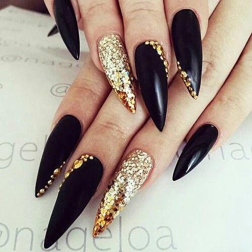 black stiletto nails design