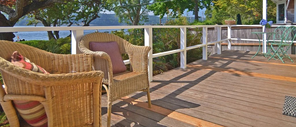 keep birds away from porch patio with