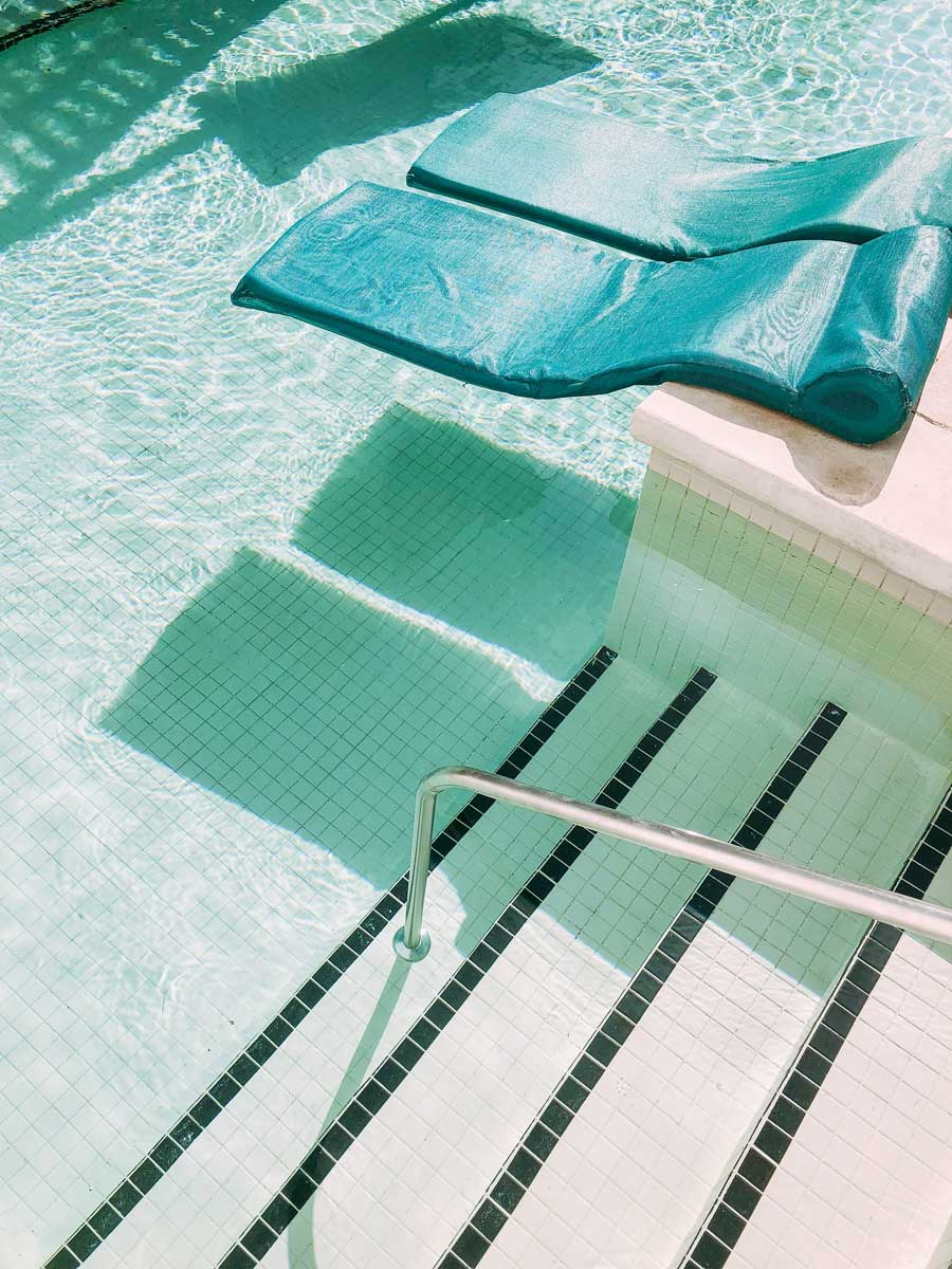 swimming pool tile ideas for an oasis