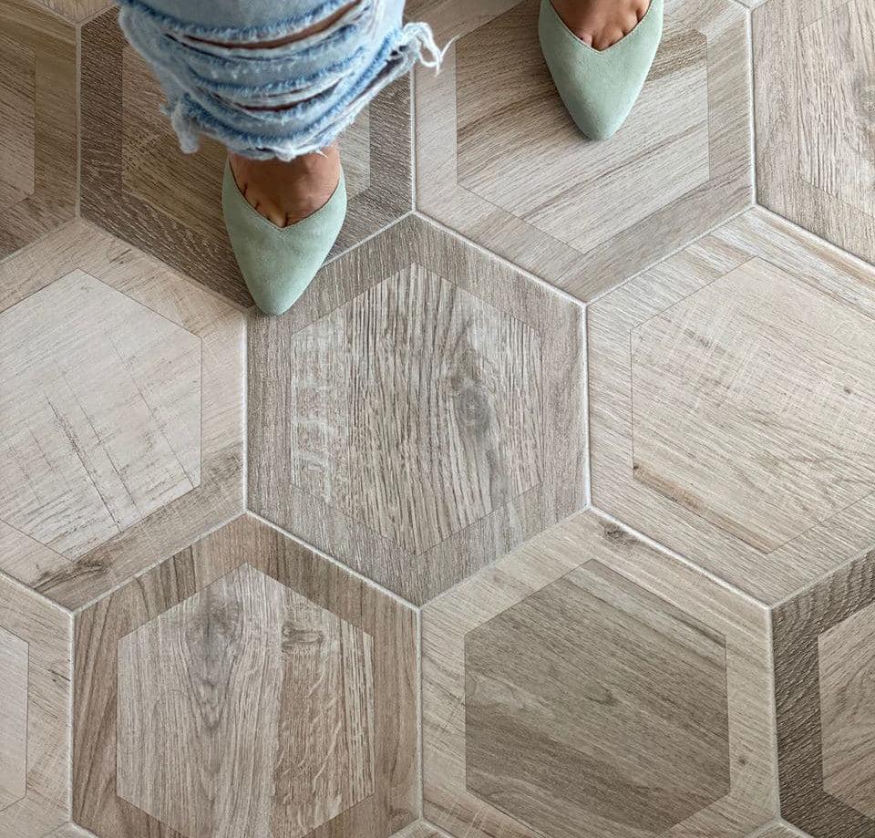esagona intarcio silver wood look porcelain tile
