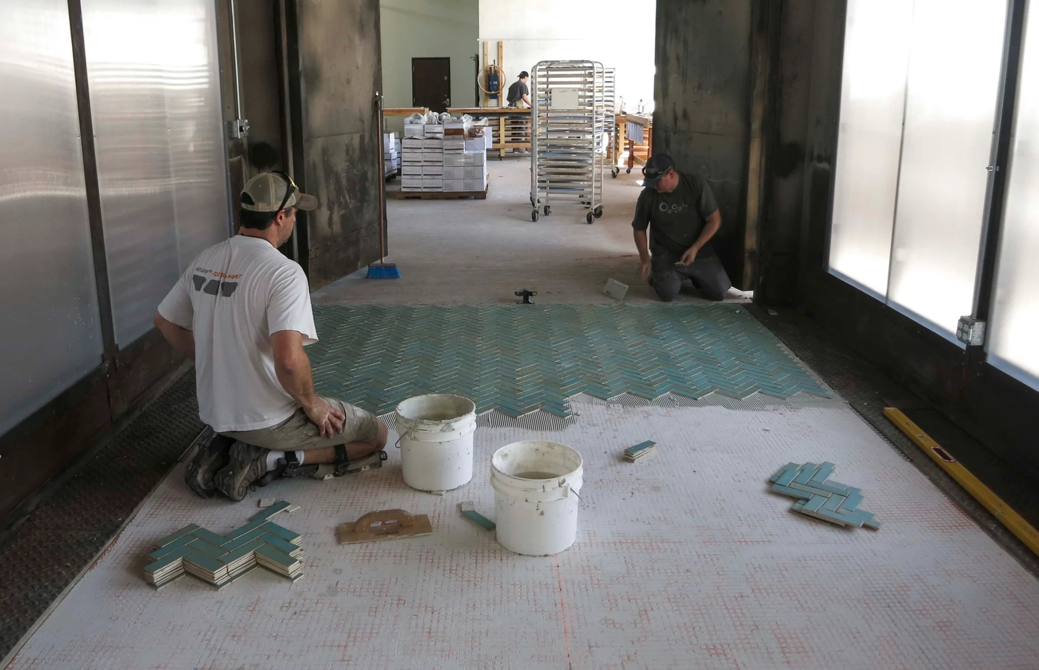 a guide to laying ceramic tile tips