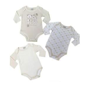 Set 3 body maneca lunga bebe unisex, din bumbac, cu diverse modele și capse, moale și confortabil. Body este prevăzut cu capse pentru o mai ușoară utilizare. Mărimi pentru 0-12 luni. Compoziție: 100% bumbac.