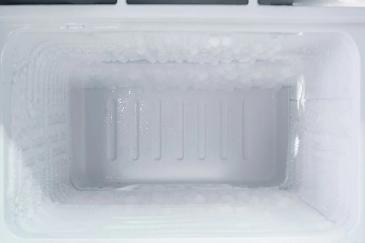 if you observe ice sheets building up on the floor of your freezer or water droplets dripping into the fridge every then and now a blocked defrost drain  [ 1200 x 800 Pixel ]