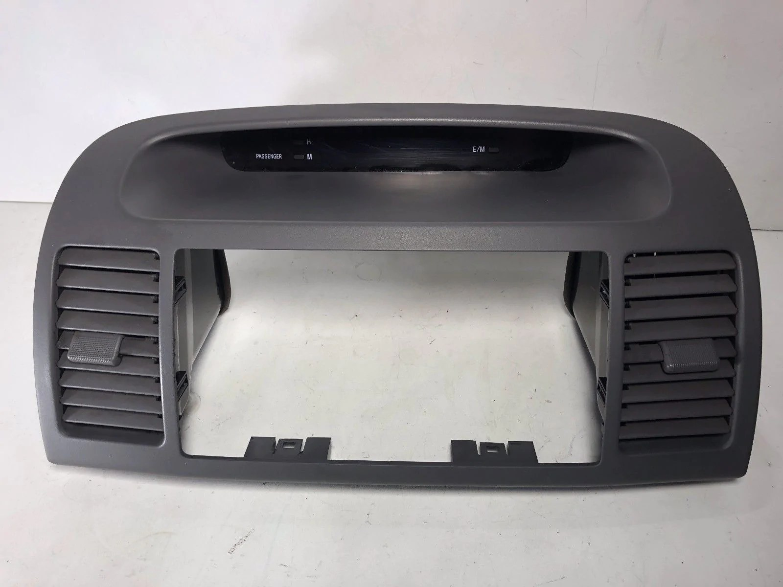 hight resolution of 2002 2006 toyota camry dash center a c air vent digital clock radio bezel
