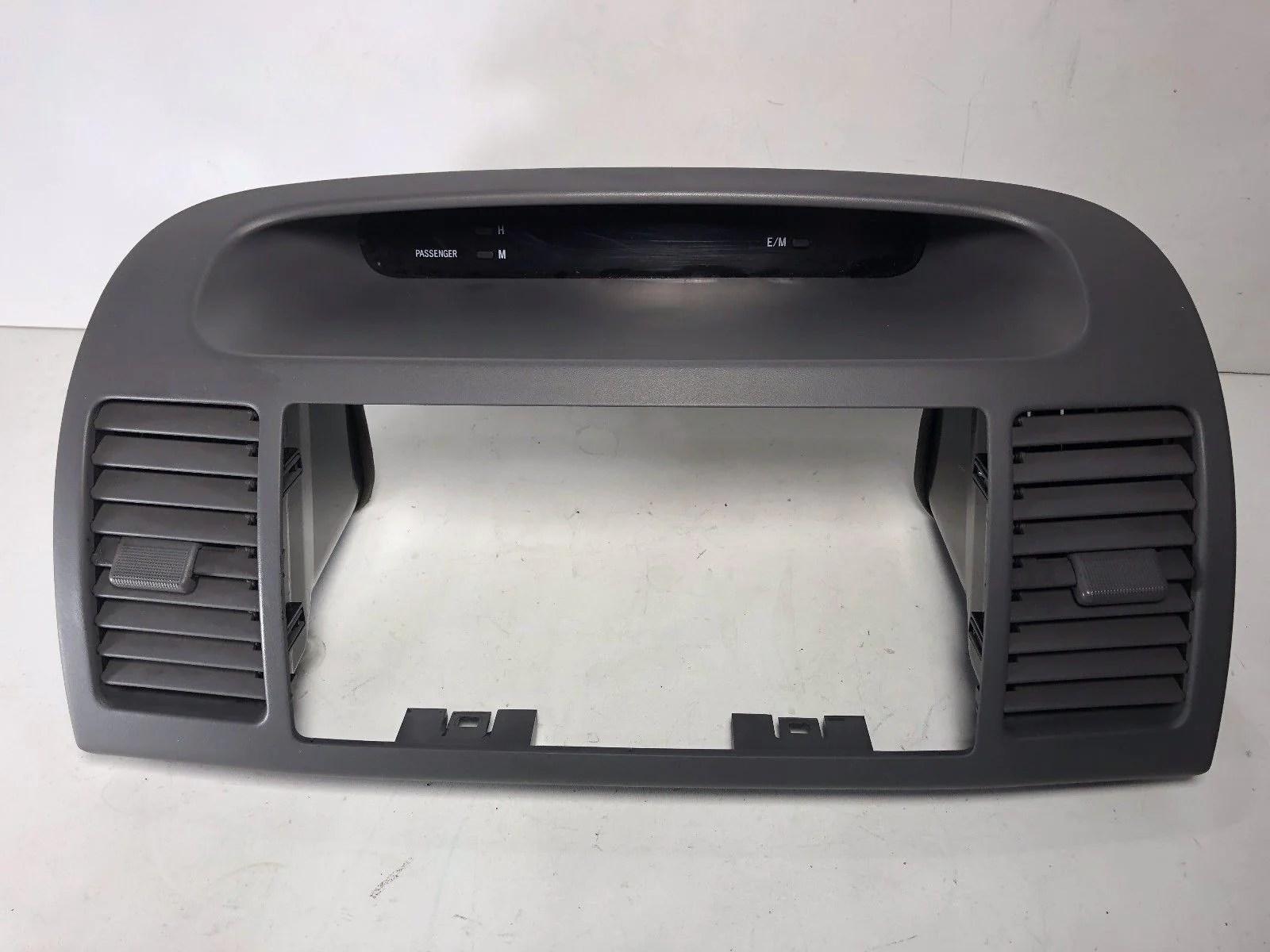small resolution of 2002 2006 toyota camry dash center a c air vent digital clock radio bezel
