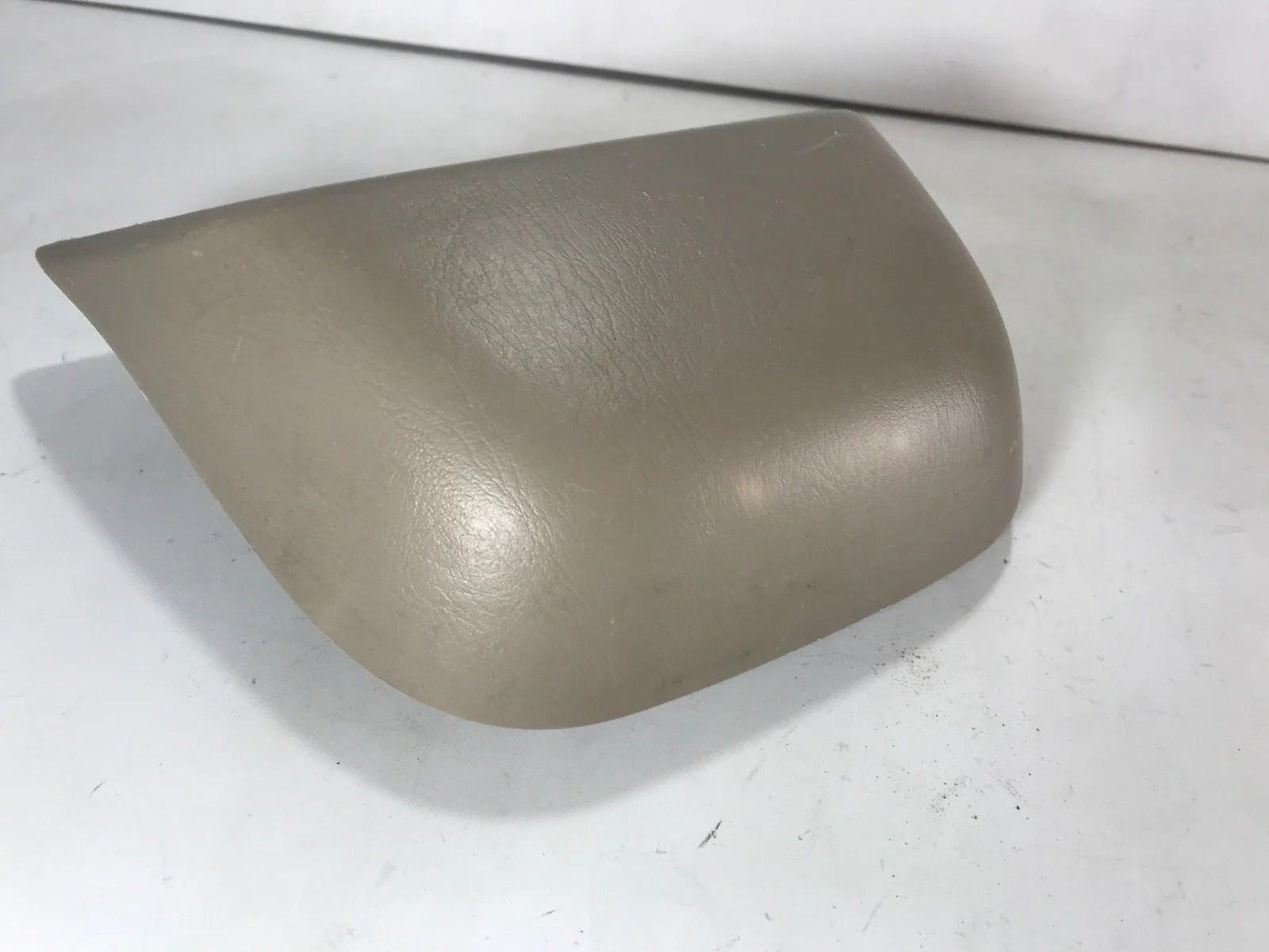medium resolution of  1998 1999 2000 2001 2002 toyota corolla tail light third 3rd brake lamp tan