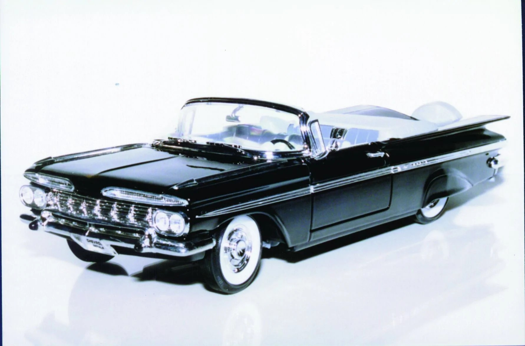 medium resolution of 1 18 yatming chevy impala 59 convertible
