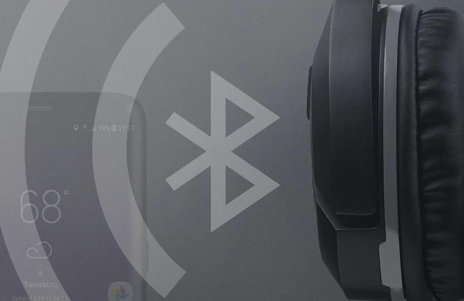 Turtle Beach product feature showcasing Bluetooth.jpg