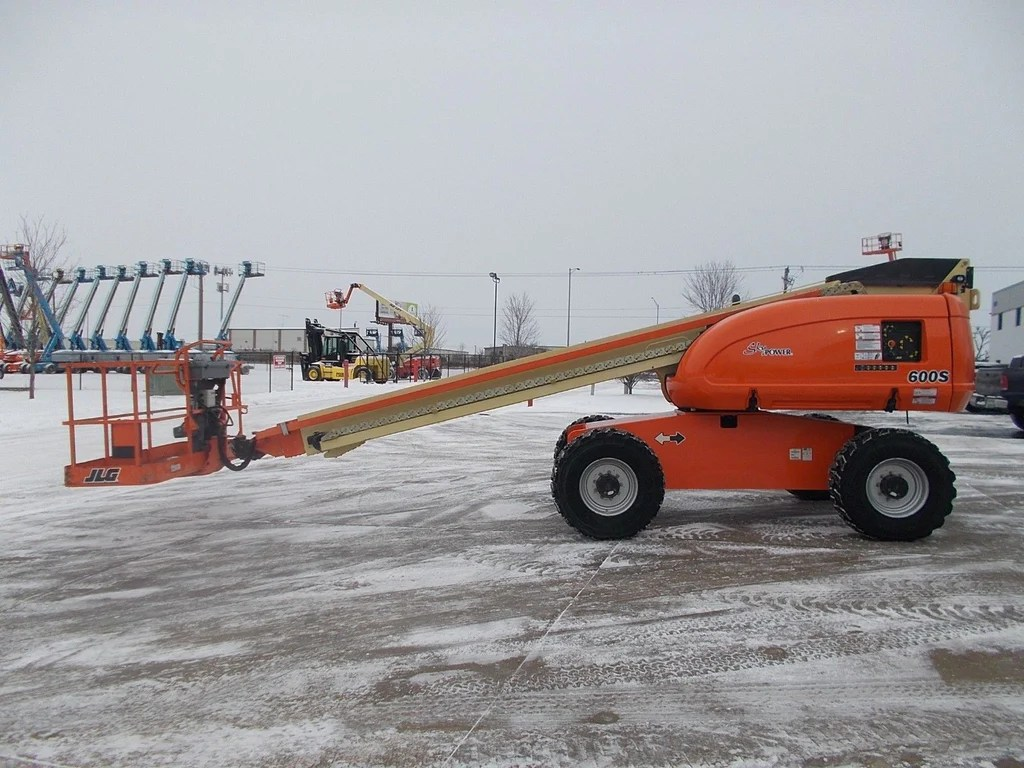 hight resolution of 2006 jlg 600s telescopic boom lift aerial lift 60 reach diesel 4wd stock bf9376159