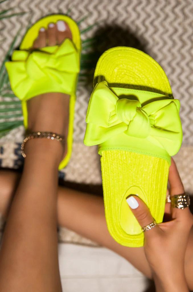 Hot Summer - Neon Yellow