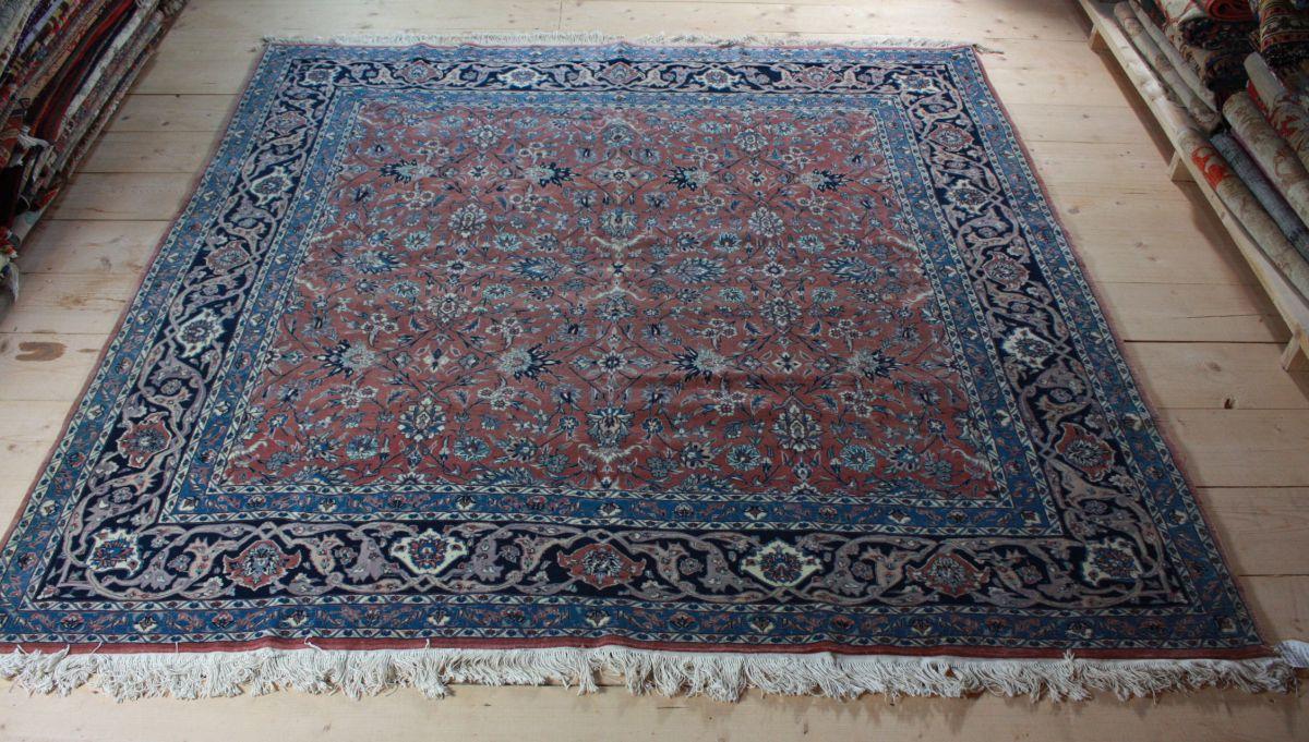 persian isfahan carpet rug 8x8 ft square carpet rug 8 5x8 5
