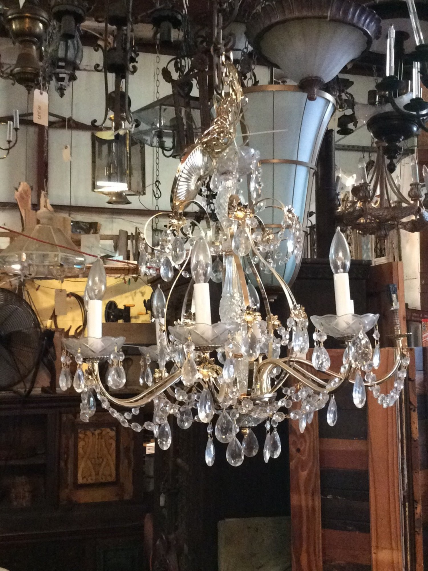 8 light crystal chandelier