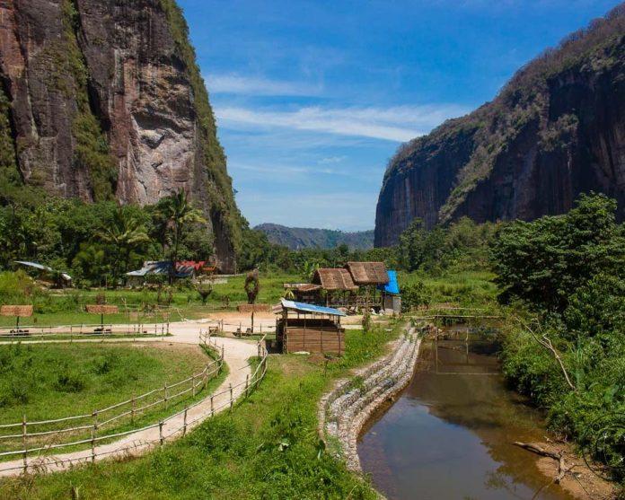 Cheeky Passports Things To Do In Bukittinggi Sumatra Cheeky Passports
