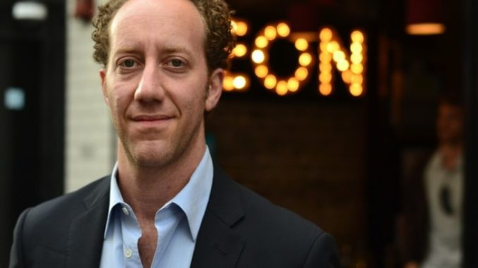 Joey Slotnick has a net worth of $700 thousand