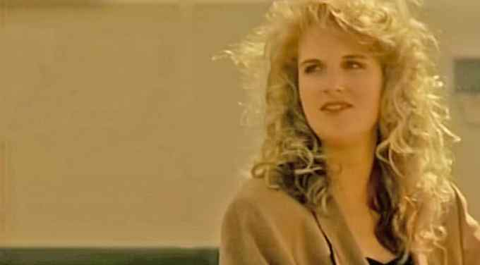trisha yearwood, she's in love with the boy