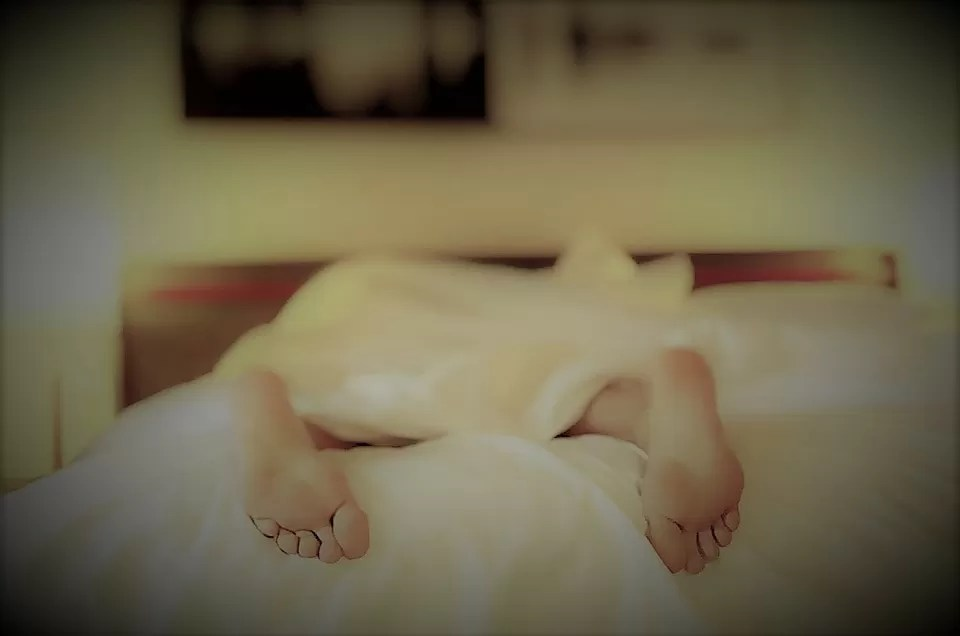 Riposare in un letto troppo duro compromette la naturale curvatura della colonna vertebrale; Guida Alla Scelta Del Materasso Nuovo Notizie In Vetrina