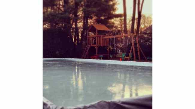 backyard ice hockey rink at home