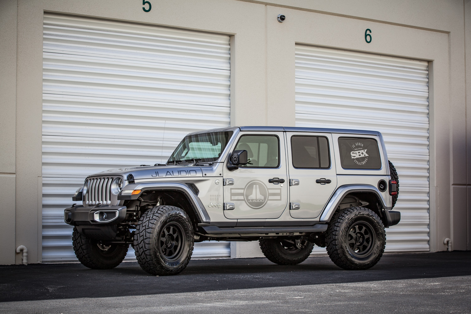 hight resolution of jl audio introduces stealthbox solution for all new jeep wrangler jl