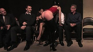 Image: Sindee Jennings gets humiliated