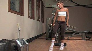 Image: Cute_teen_Dakoda_Brookes_&_pussy_stretching_machine