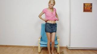 Image: Charming Kasia stuffs her twat_plus red panty-hose
