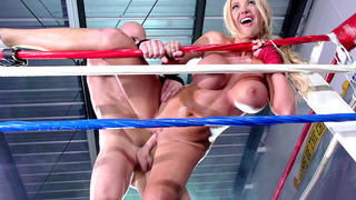 Image: Blonde bombshell Summer Brielle gets fucked against the ropes