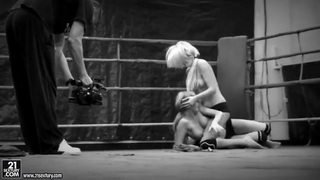 Black-and-white catfight video waits for you image