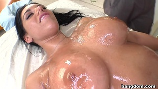 Bella reese gets twisted image