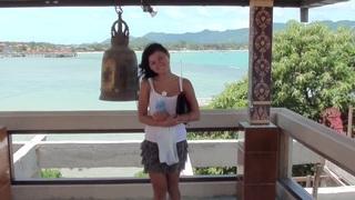 Image: Bella Margo  in bikini girl represents a sex on the beach xxx