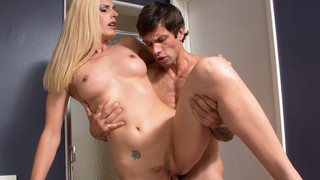 Darryl Hanah & Alan Stafford in My Friends Hot Mom image
