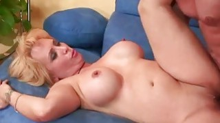 Mature blonde Sophia Mounds gets_her pussy filled image