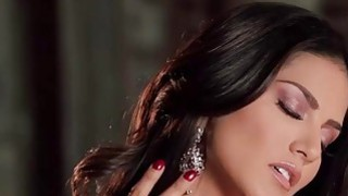 Sunny Leone offers a world class performance in this scene image