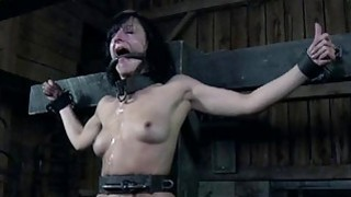 Masked beauty_with_nude cunt acquires flogging image