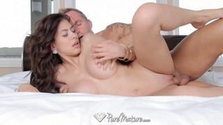 Latina MILF Heather Vahn gets fucked image