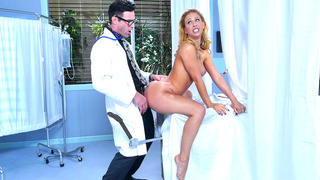 Cherie DeVille convinced her doctor to fuck her MILF crack image