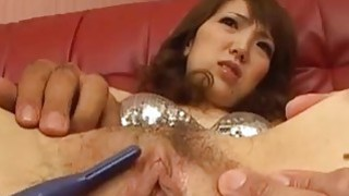 Image: Japanese MILF Ai gets her pussy shaved