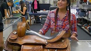 Image: Pretty cowgirl ass fucked by pawn dude in the backroom