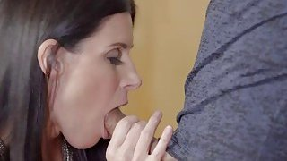 Adria Rae and India Summers have a 3some image
