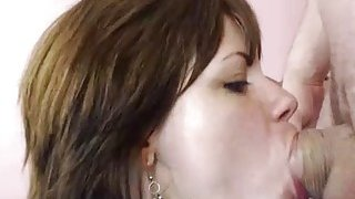 Amateur camgirl sucking and fucking and squirting on webcam image