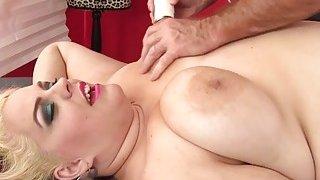 BBW Buxom Bella gets a sex massage image