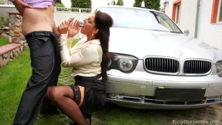 VALENTINA ROSS gets horny when she sees a luxury car and sucks the dick of the car owner image