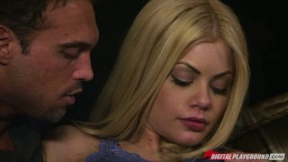 Riley Steele ia pro in seducing a man image